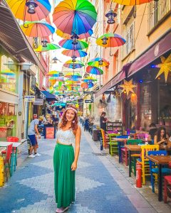 kadikoy ombrelli colorati