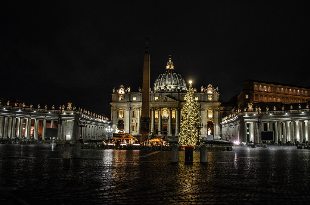 Basilica di san pietro di notte