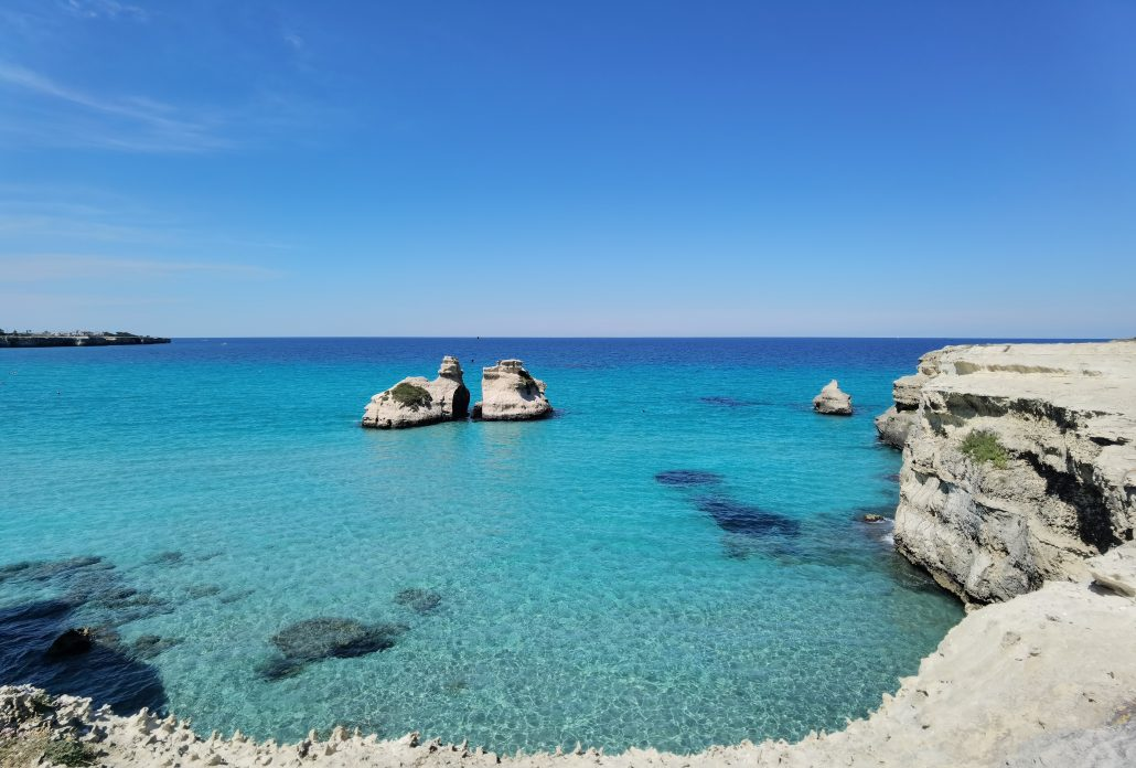 Torre dell'orso mare in salento