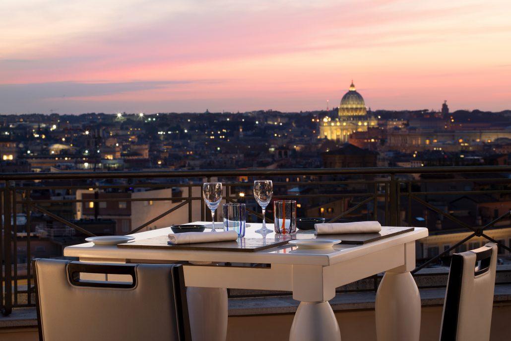 the flair terrazza panoramica vista al tramonto
