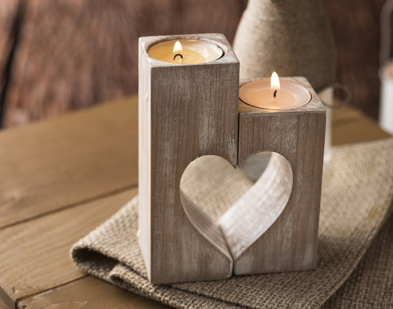 portacandela in legno con cuore