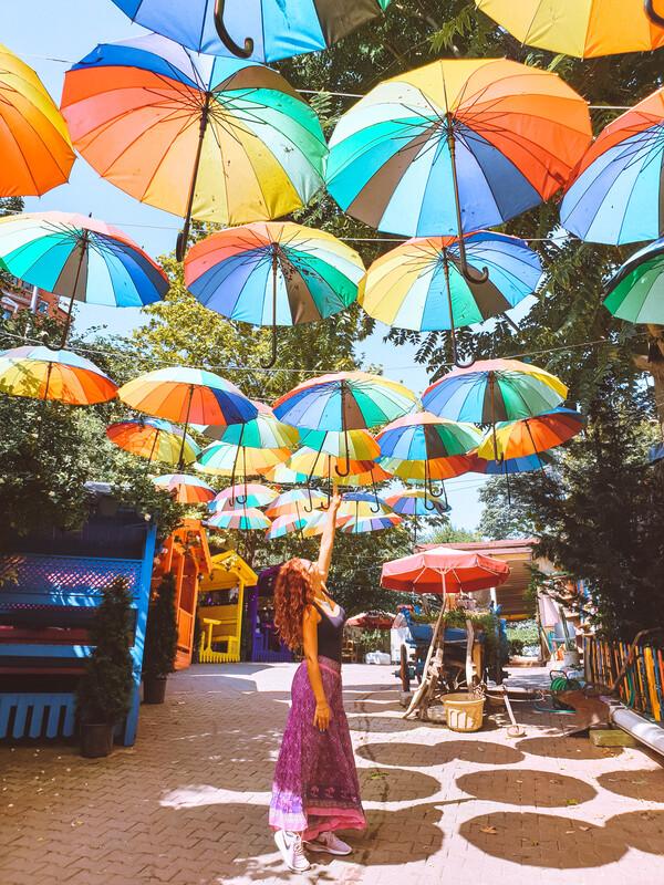 ombrelli colorati a istanbul