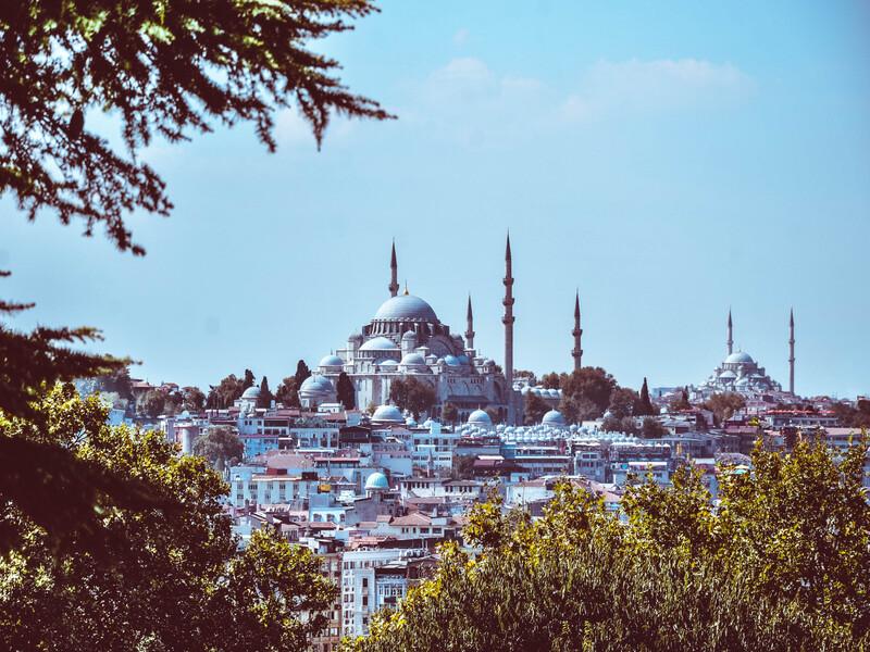 vista della moschea di camlica dal palazzo topkapi