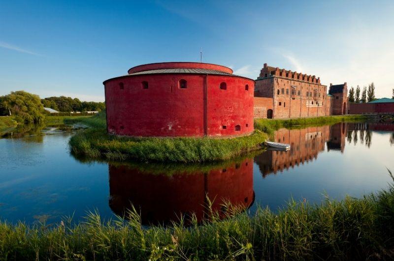 Castello-di-Malmohus riflesso nell'acqua del canale
