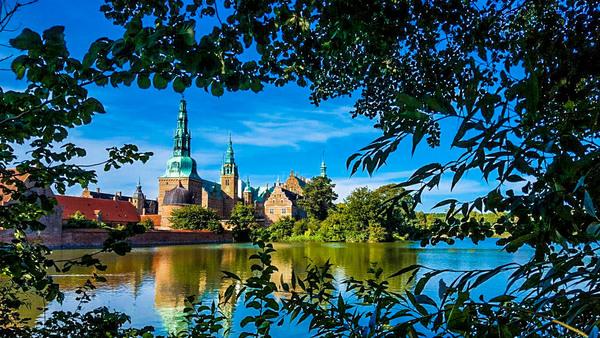 castello-di-Frederiksborg. a hillerod