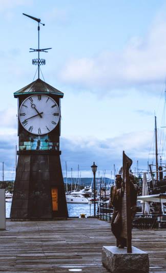 torre dell'orologio ad aker brygge