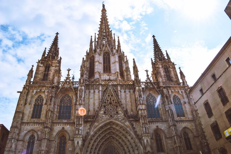 facciata cattedrale gotica barcellona