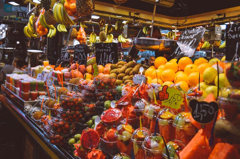 frutta nel mercato della boqueria