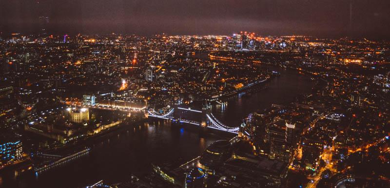 vista di londra dall'alto dallo shard di sera