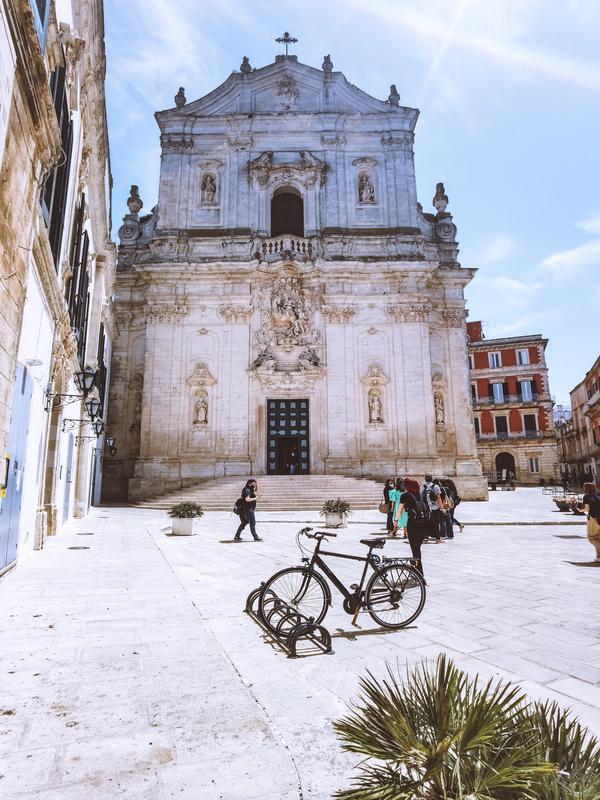 facciata della basilica di san martino martinafranca